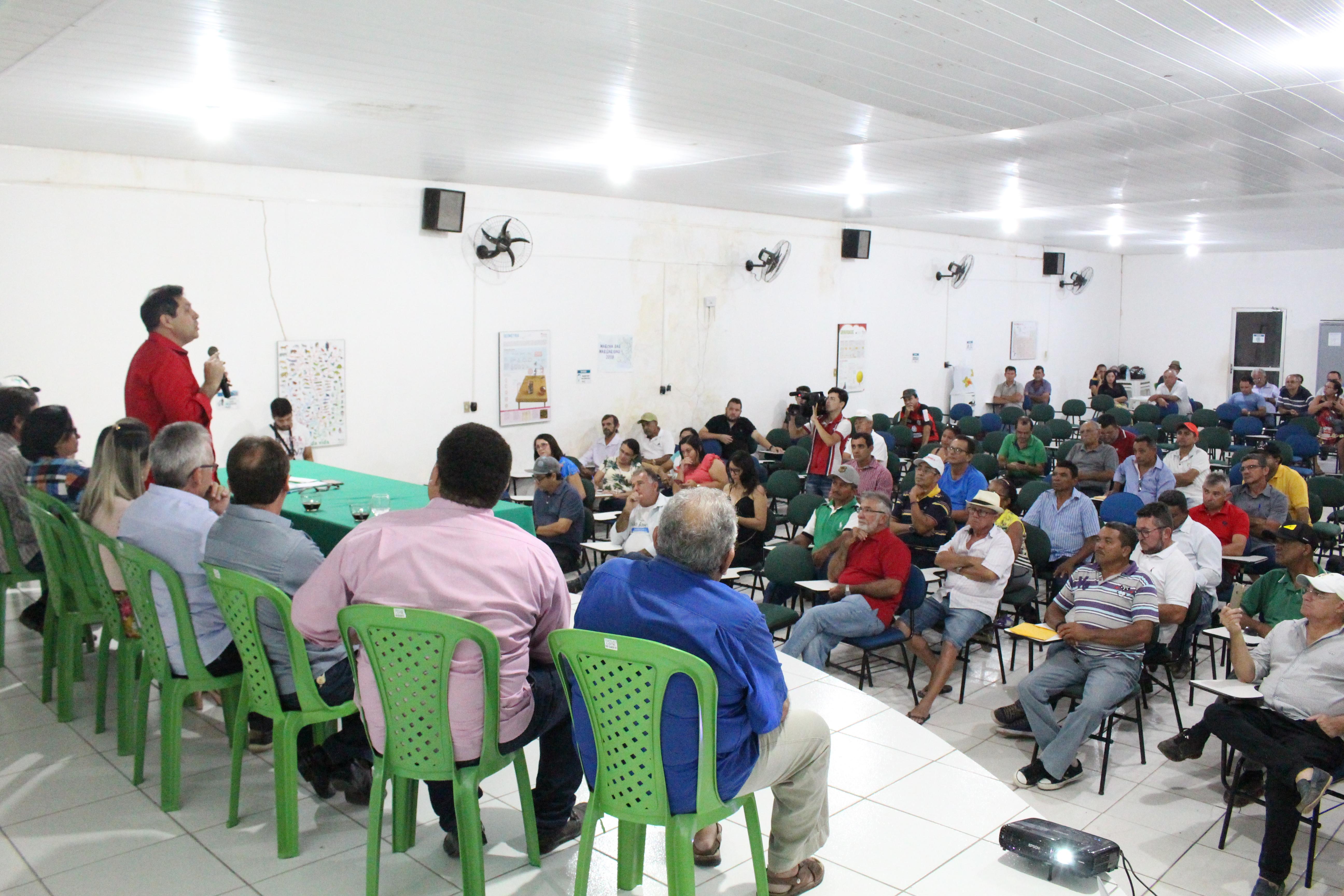 De Assis Diniz Abre Ciclo De Debates Pelo Interior Sobre São
